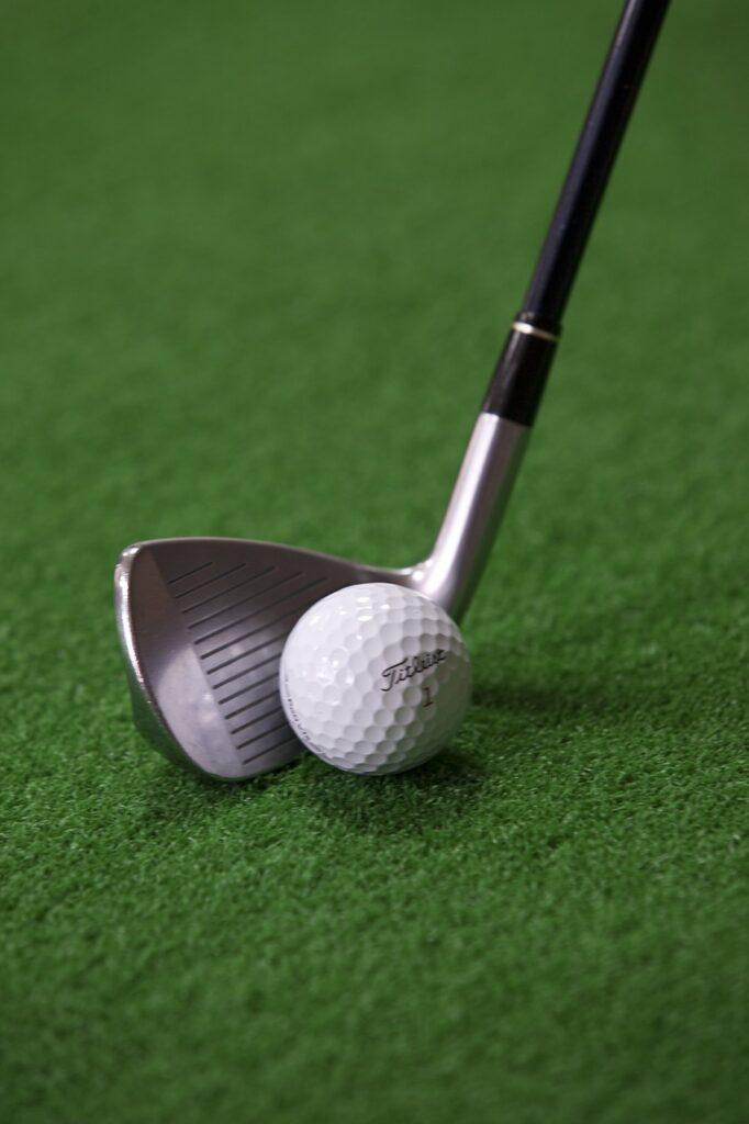 golf, golf ball, exercise-2571844.jpg