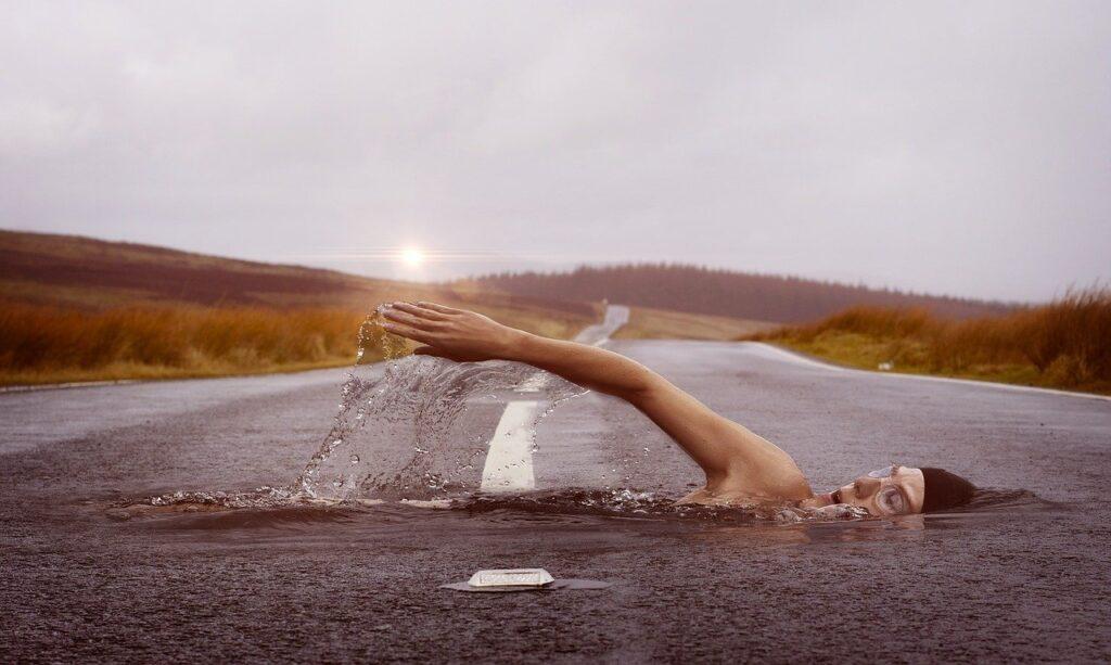 swimmer, swim, road-1678307.jpg